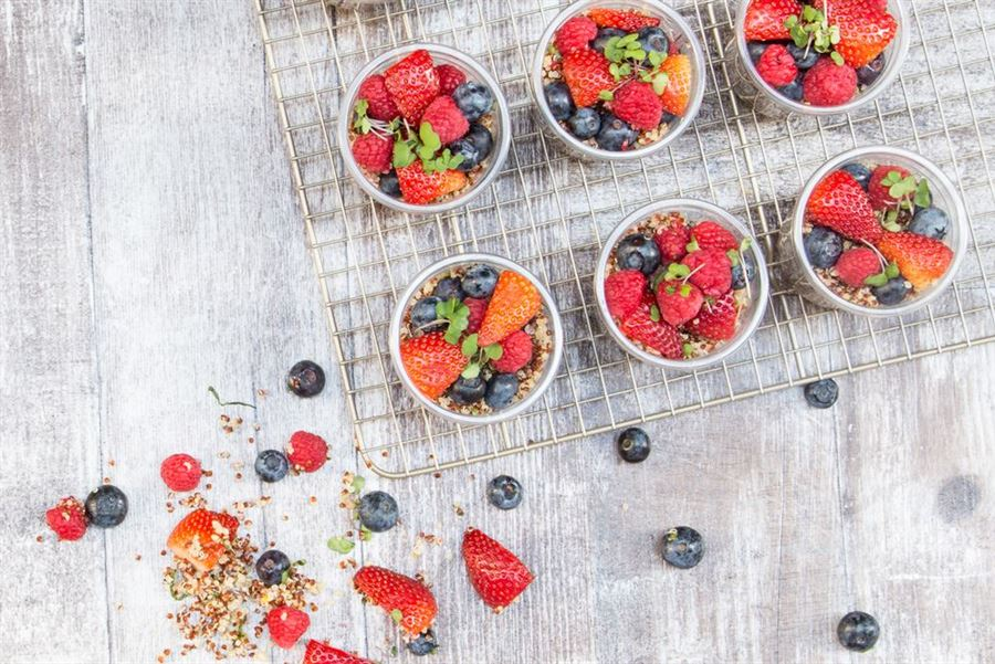 Fresh berries, quinoa, mint & honey citrus dressing salad (df/v)