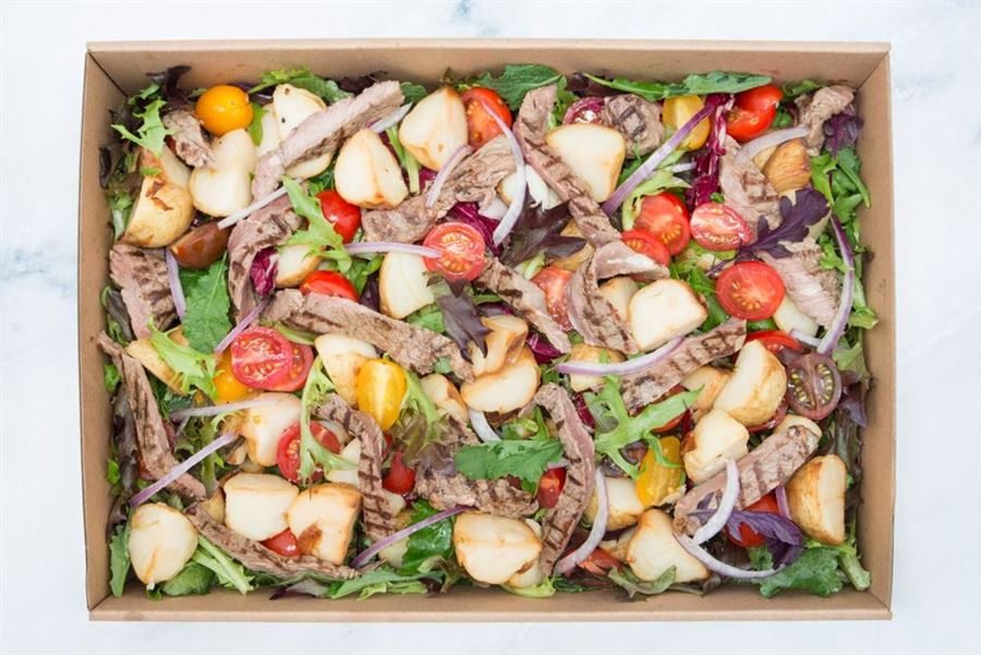 Sweet chilli charred rump steak salad: chat potatoes, mixed leaves, spanish onion & heirloom cherry tomato (gf/df)