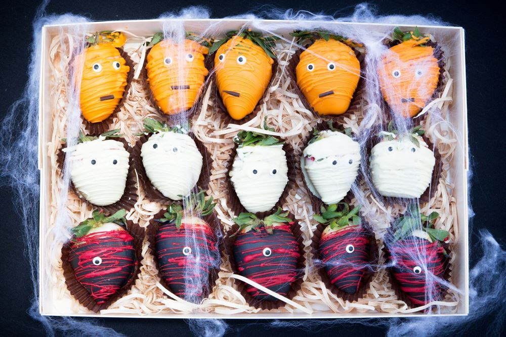 Halloween Chocolate Dipped Strawberries Collection