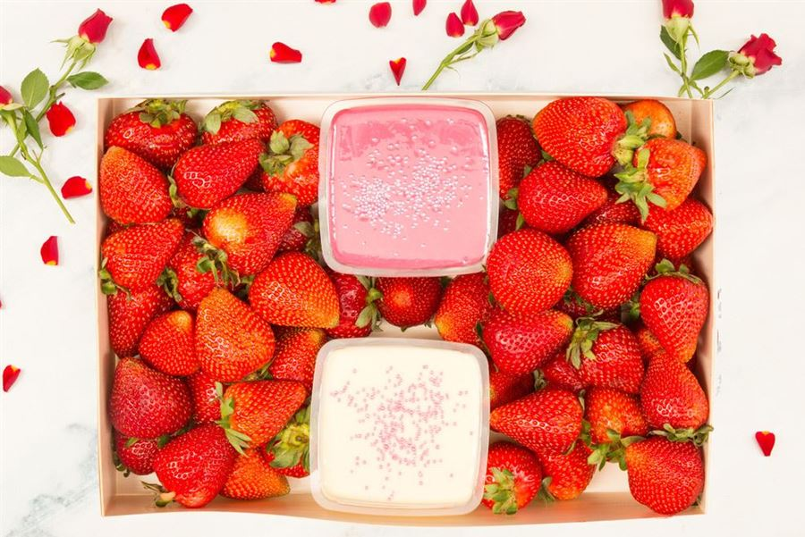 Limited Edition Strawberries & Dipping Sauce Collection